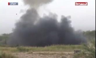 Destruction de véhicules blindés saoudiens (fabrication américaine) par l'armée Yéménite