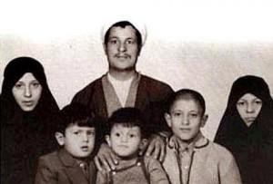 Le défunt Ayatollah Akbar Hachémi Rafsandjani, un Homme qui a voué sa vie à l'Islam et à la République islamique d'Iran Que Dieu lui fasse Miséricorde10