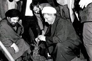 Le défunt Ayatollah Akbar Hachémi Rafsandjani, un Homme qui a voué sa vie à l'Islam et à la République islamique d'Iran Que Dieu lui fasse Miséricorde21