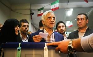 Les candidats à la 12ème élection présidentielle iranienne ont votés tôt ce matin10