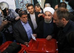 Les candidats à la 12ème élection présidentielle iranienne ont votés tôt ce matin3