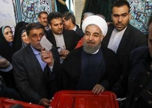 Les candidats à la 12ème élection présidentielle iranienne ont votés tôt ce matin4