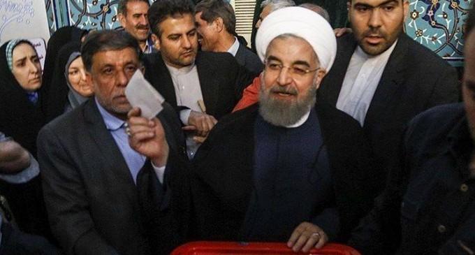 En images : Les candidats à la 12ème élection présidentielle iranienne ont votés tôt ce matin.