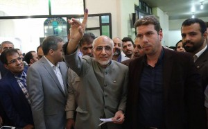 Les candidats à la 12ème élection présidentielle iranienne ont votés tôt ce matin7