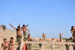 Les combattants de la Mobilisation Populaire irakienne s'entraînent avant d'aller combattre les terroristes salafistes de Daesh3