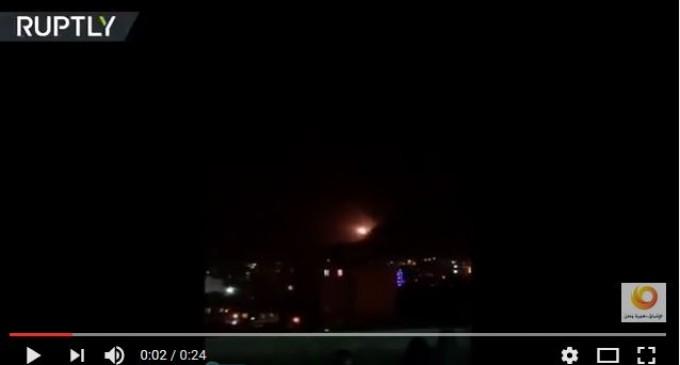 L'Iran bombarde avec des missiles balistiques des QG des bandes terroristes de Daesh à Deir Zor à l'est de la Syrie
