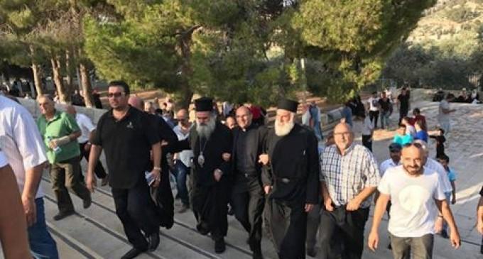 Unis : Chrétiens et Musulmans célèbrent la défaite d'Israël à la bataille de la mosquée Al-Aqsa alors qu'Israël est contraint de ré-ouvrir les portes
