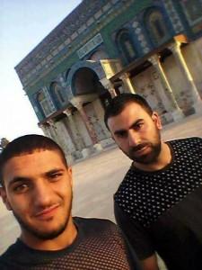 URGENT  3 palestiniens viennent de tomber en martyr près de la mosquée d'Al Aqsa 1