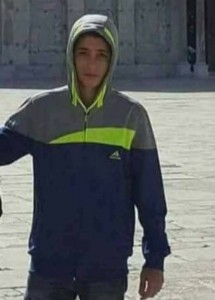 URGENT  3 palestiniens viennent de tomber en martyr près de la mosquée d'Al Aqsa 2