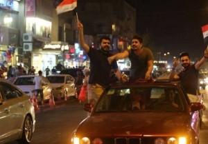 les habitants de Bagdad célèbrent la libération de Mossoul... Que voulez-vous dire à cette occasion 3