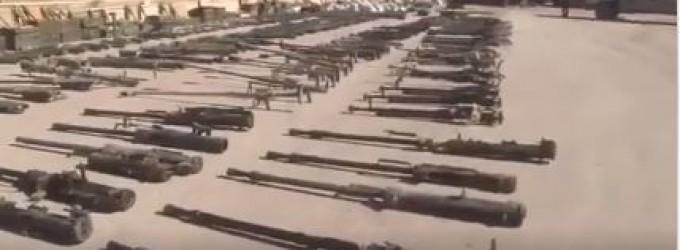 [Vidéo] | Il y a quelques jours, une quantité incroyable d'armes appartenant à Daesh a été saisie par l'Armée Arabe Syrienne dans la ville d'Al Mayadeen