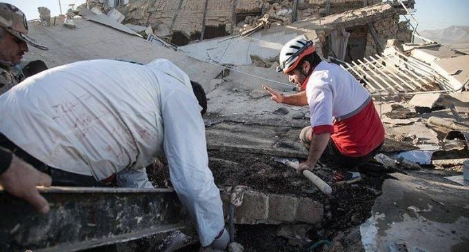 Des images de la province iranienne de Kermanshah, frontalière de l'Irak touchée par le violent séisme qui a fait plus de 300 morts et des milliers de victimes