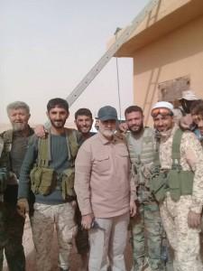 Le général iranien Qassem Soleimani actuellement à la frontière Syro-Irakienne avec les combattants syriens et irakiens... 1