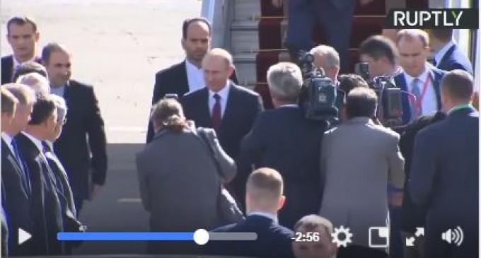 Vladimir Poutine arrive à Téhéran pour une rencontre avec les présidents iranien et azéri