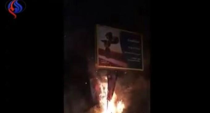Vidéo – incendie des photos de Ben salman dans les rues libanaises