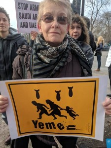 En images, les britanniques manifestent devant les ambassades saoudienne et des EAU pour condamner le massacre du peuple Yéménite4