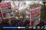 Les musulmans prient devant la maison blanche pour protester contre la décision du Président Trump