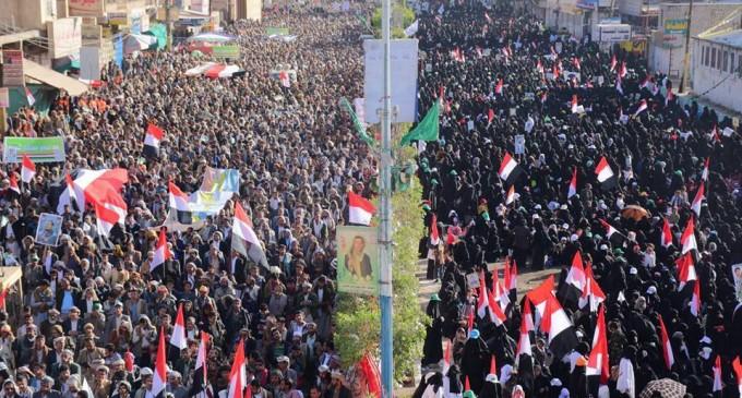 Quelques images de la manifestation monstre dans la capitale yéménite Sanaa