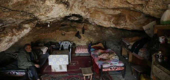 Saviez-vous que les habitants de la région de Khirbet Tana, à l'est de Naplouse, vivent dans des tentes et des grottes depuis des décennies