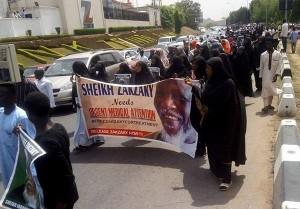Les musulmans nigérians poursuivent les manifestations pacifiques, exigeant la libération de Sheikh Zakzaky1