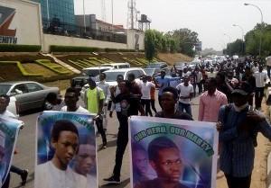 Les musulmans nigérians poursuivent les manifestations pacifiques, exigeant la libération de Sheikh Zakzaky4