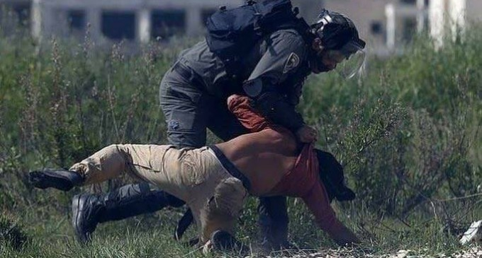 C'est ainsi que les forces israéliennes ont traité un militant allemand qui venait juste de participer à une manifestation palestinienne