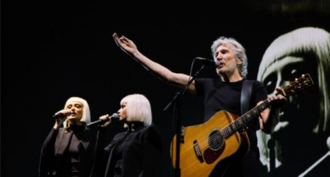 #eastghouta : Roger Waters dénonce les casques blancs, qui font de la propagande pour les terroristes djihadistes dans la Douma