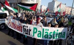 Une marche massive à Berlin en soutien à Gaza et condamnant le silence de la communauté internationale envers les crimes d'Israël.1