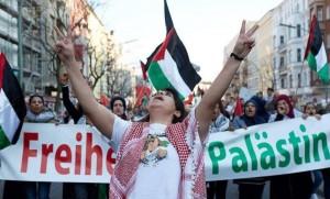 Une marche massive à Berlin en soutien à Gaza et condamnant le silence de la communauté internationale envers les crimes d'Israël.2