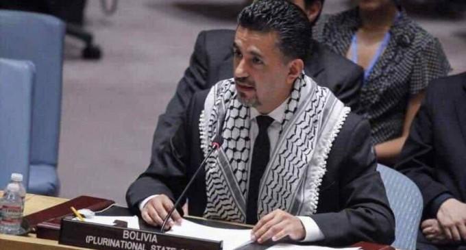 Ce n'est pas un homme arabe ou musulman. C'est un vrai chevalier dans un monde de honte !