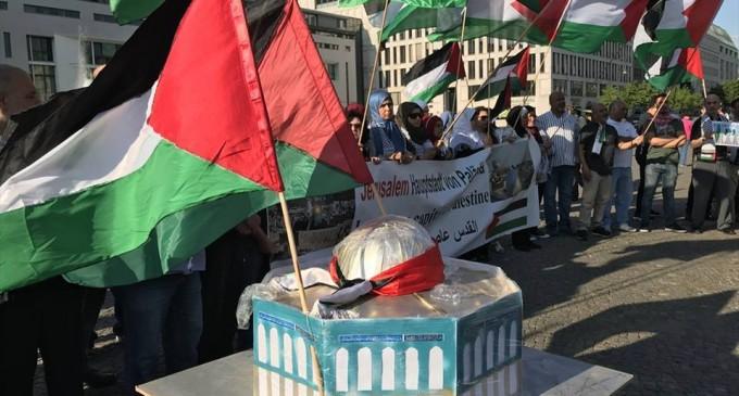 Une manifestation à Wuppertaler, en Allemagne, en condamnation du massacre israélien