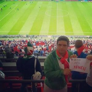 En images, les supporters iraniens présents au Mondial Russe disent STOP A LA GUERRE CONTRE LE YÉMEN2