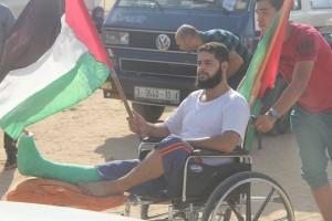 Malgré leurs blessures, ces palestiniens sont revenus.1