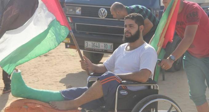 Malgré leurs blessures, ces palestiniens sont revenus pour participer à la Grande Marche du Retour