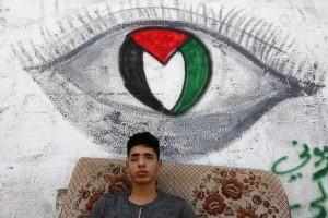 Saleh Ashour, un palestinien de Gaza, 16 ans, a perdu la vue après avoir été pris pour cible par les troupes israéliennes lors des manifestations de la Grande Marche du Retour.4