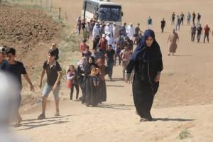 Les familles palestiniennes participent aux manifestations de la Grande Marche du Retour à la frontière de Gaza1