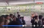 Une vidéo montre des enfants de l'école yéménite avant d'être assassinés par des combattants saoudiens lâches.