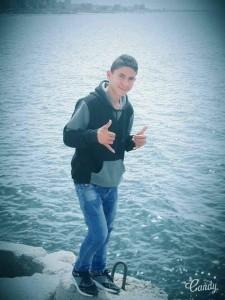 Belal Khafaja, 17 ans, qui a été abattu dans la poitrine par un sniper israélien sur les frontières orientales de la ville de Rafah, dans le sud de la bande de Gaza.