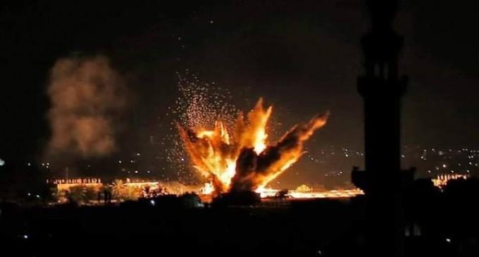 La seule lumière sur Gaza la nuit est la lumière des frappes aériennes israéliennes !!!