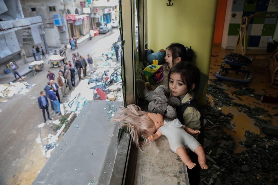 Le jardin d'enfants Shahed a été détruit par les bombardements israéliens sur un bâtiment résidentiel juste à côté de la maternelle la semaine dernière à Gaza12
