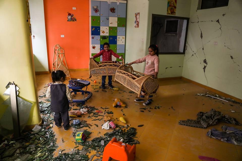 Le jardin d'enfants Shahed a été détruit par les bombardements israéliens sur un bâtiment résidentiel juste à côté de la maternelle la semaine dernière à Gaza13