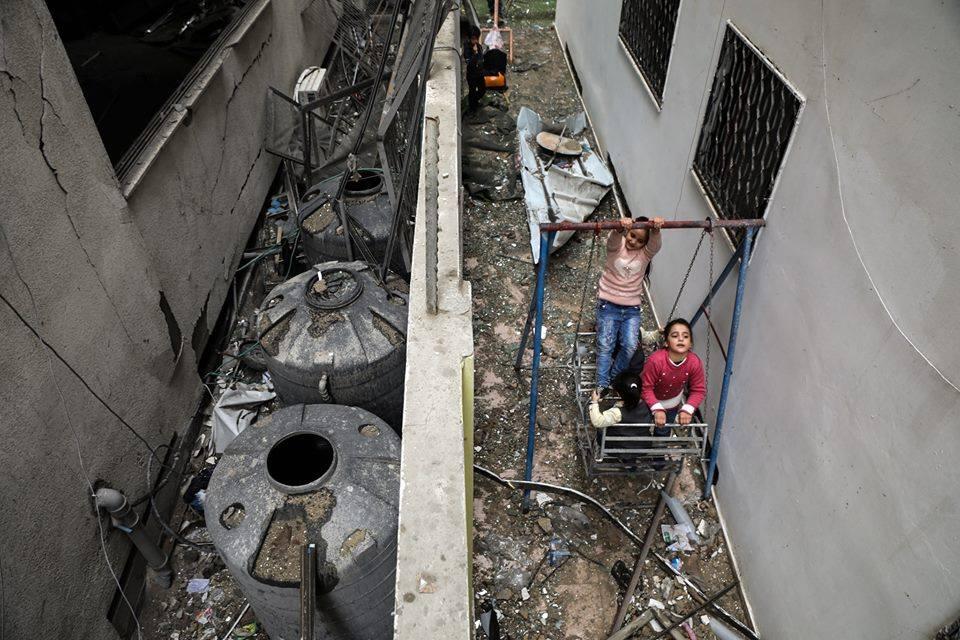 Le jardin d'enfants Shahed a été détruit par les bombardements israéliens sur un bâtiment résidentiel juste à côté de la maternelle la semaine dernière à Gaza15
