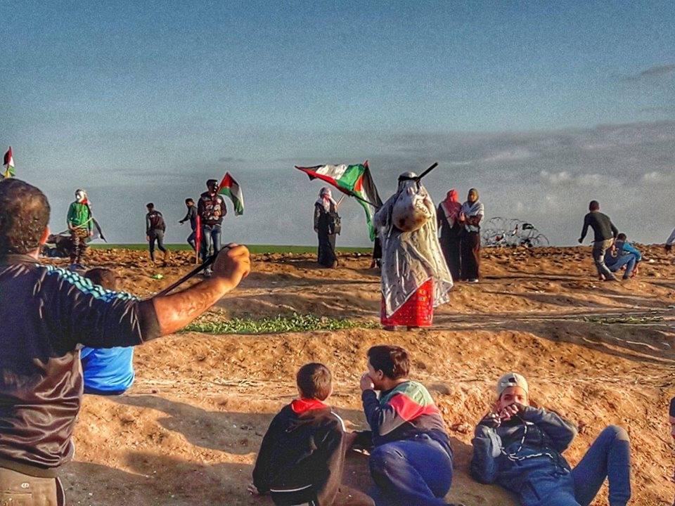Des scènes des manifestations en cours de la Grande Marche du Retour à la frontière de Gaza, aujourd'hui2
