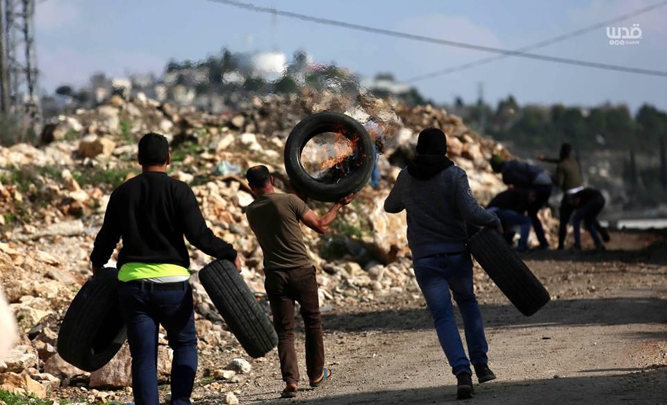 Scène d'affrontements d'aujourd'hui entre les forces d'occupation israéliennes et les manifestants palestiniens dans le village de Kafr Qaddoum dans la Cisjordanie occupée.4