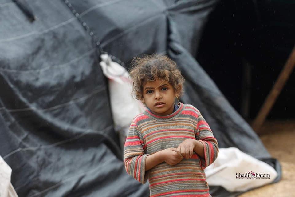 Les enfants palestiniens sans abri doivent faire face à une atmosphère froide d'hiver dans la région de la vallée du Jourdain, en Cisjordanie occupée.