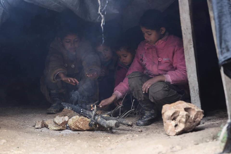 Les enfants palestiniens sans abri doivent faire face à une atmosphère froide d'hiver dans la région de la vallée du Jourdain, en Cisjordanie occupée.4