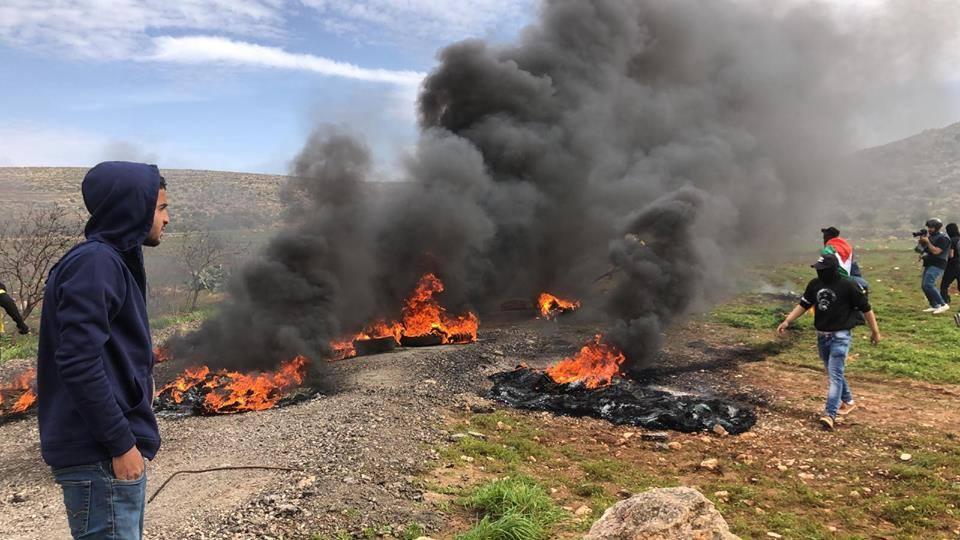 Au moins 4 manifestants palestiniens ont été blessés par des coups de feu israéliens 3