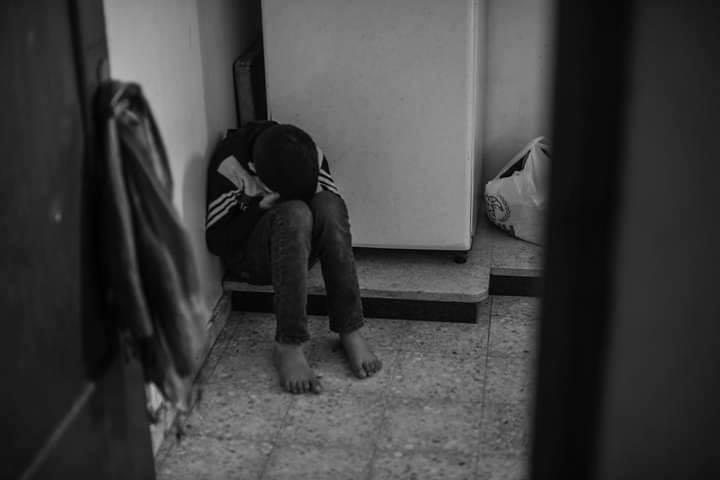 Le jeune Palestinien Mohammed Al-Najjar (12 ans) vit un grave choc psychologique après avoir perdu son œil droit par la balle d'un sniper israélien2