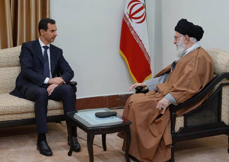 Regardez l'accueil chaleureux du Président Assad par le Guide suprême de la révolution iranienne et par le Président Iranien1