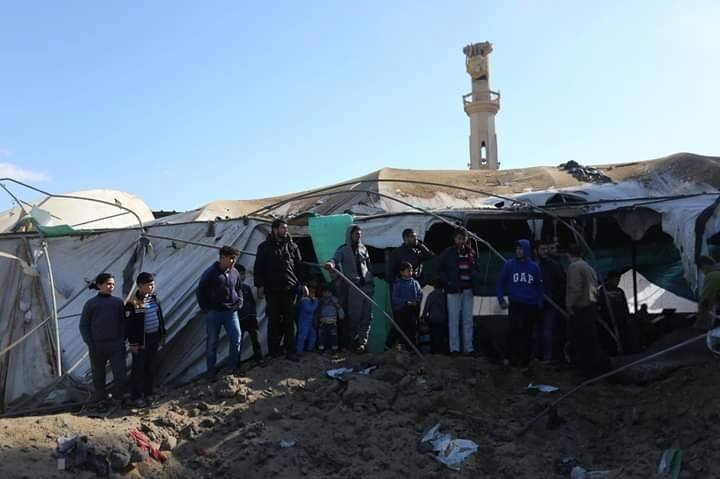 Ruines de la mosquée Omar Bin Abdul-Aziz, dans le nord de la bande de Gaza, ciblée par des avions israéliens hier soir2